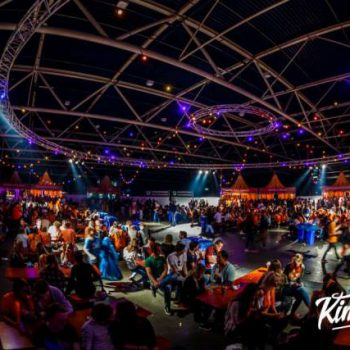 Kingshouse Festival Impressie - PrikkabelverhuurNL