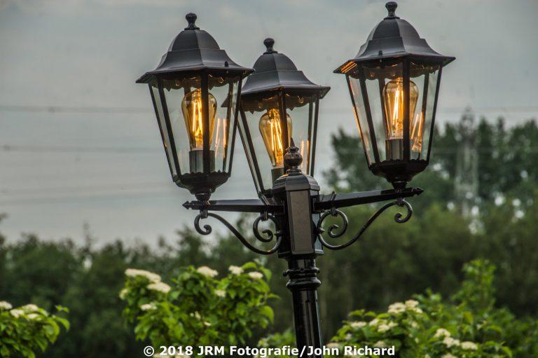 Aluminium lantaarn met 3 kronen en LED filament lampen